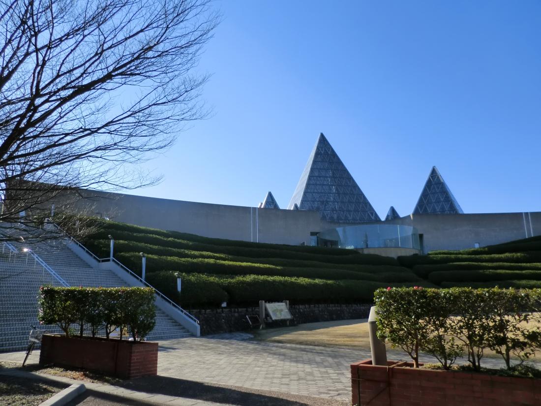 会場は、島根県大田市の仁摩サンドミュージアム(砂博物館)。