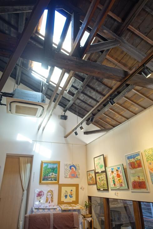 天井が高くて、自然採光。コーヒーもうまかったし「さいこー」だね。