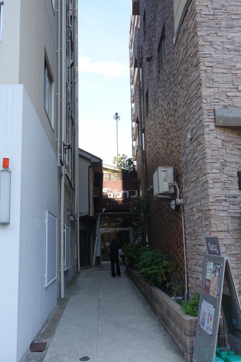 7月19日路地カフェを訪問。山口晴子さんとお孫さんの展覧会。