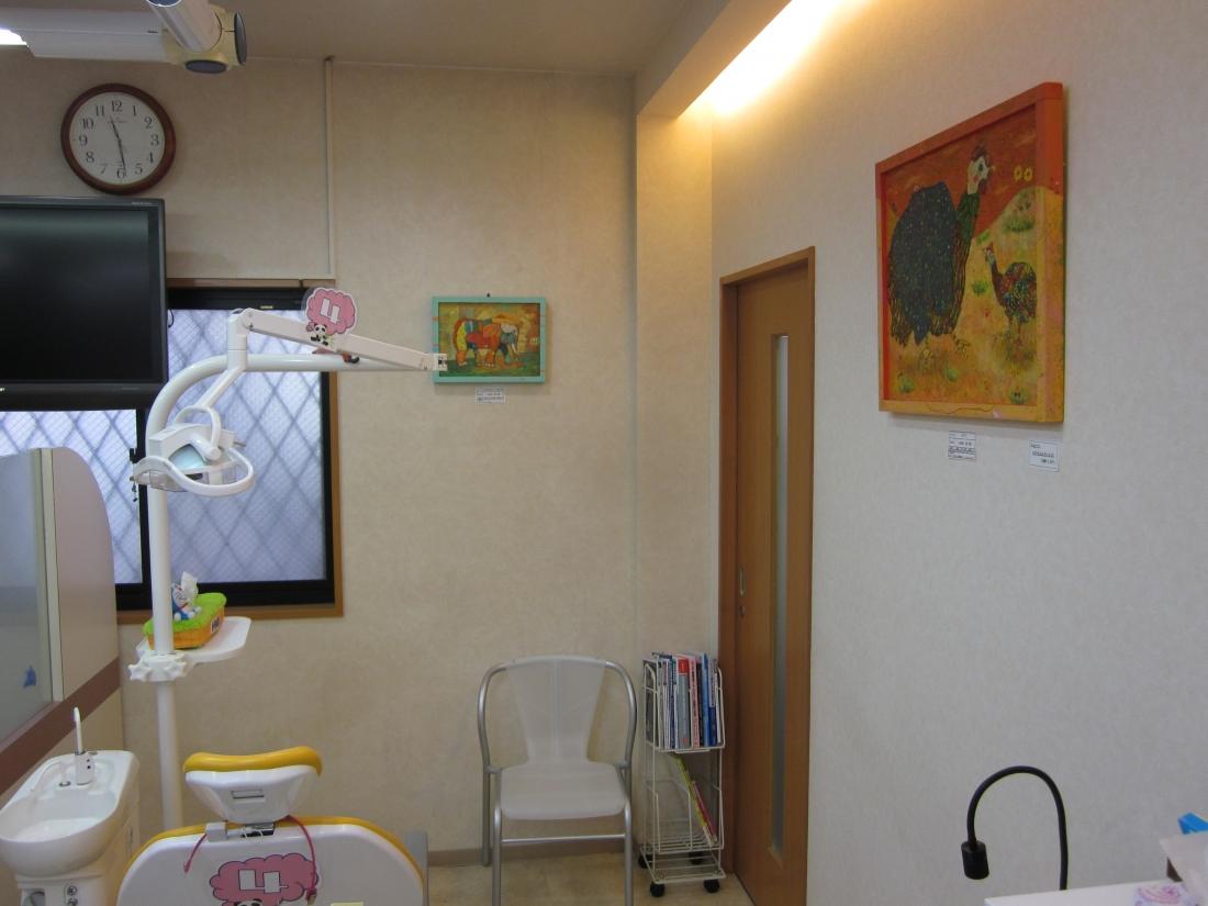 油彩アーティスト:いかわあつきさん作品展示 京都府京田辺市歯科クリニックにて