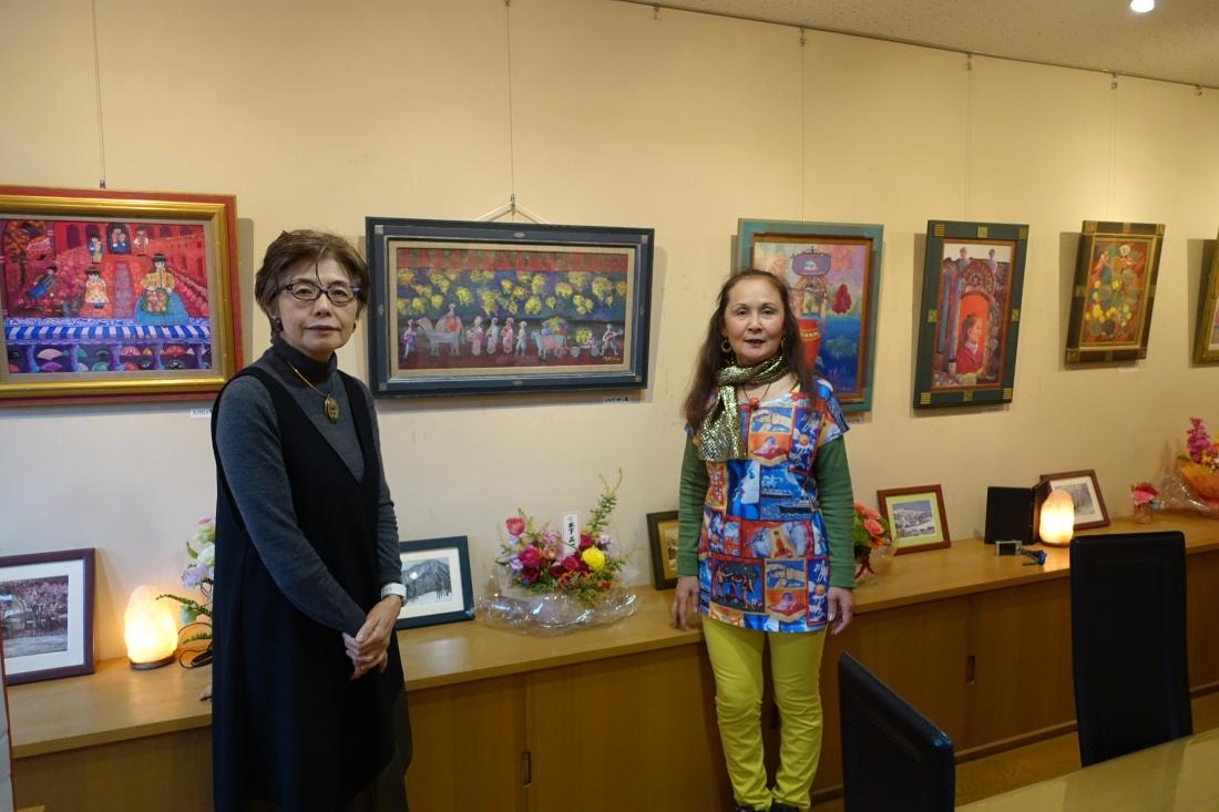 アートムーブコンクール2014京橋画廊賞 杉山三枝子個展の様子(オーナーと)
