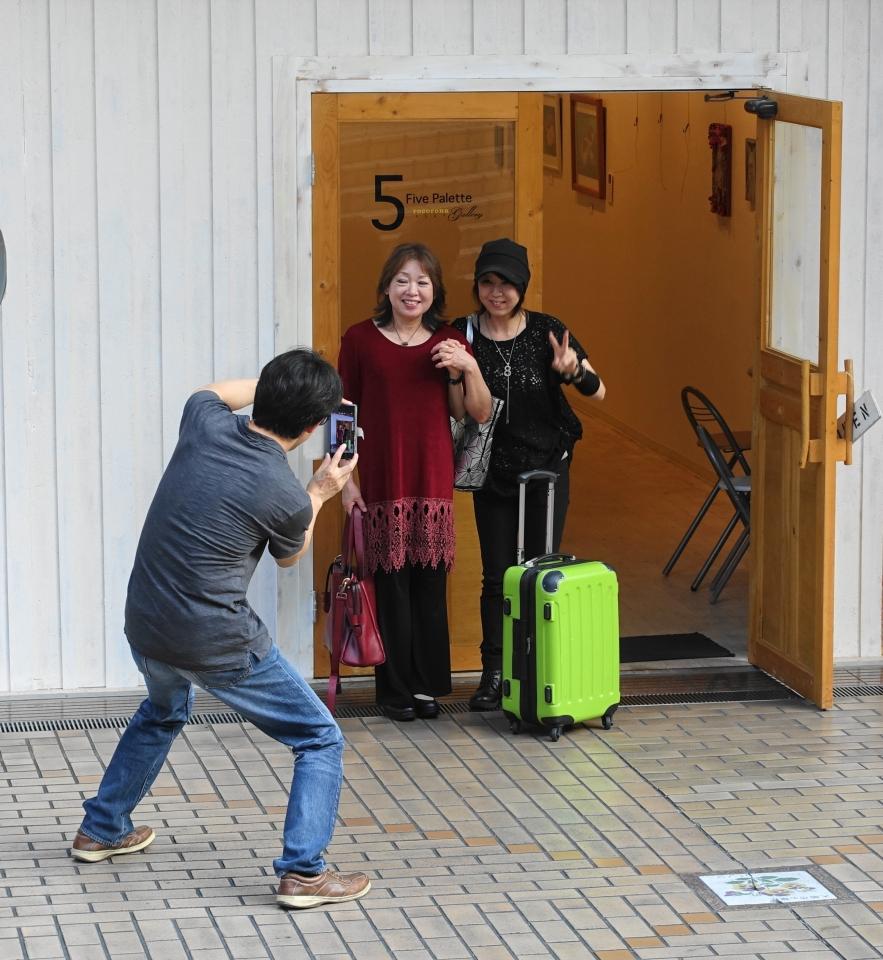 7月30日,ロコロナギャラリーに香川県丸亀市から大木畑希美さんがきてくれました。