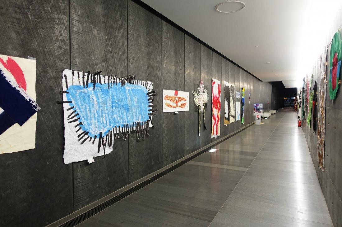 12月2日。兵庫県立美術館「新童美展」