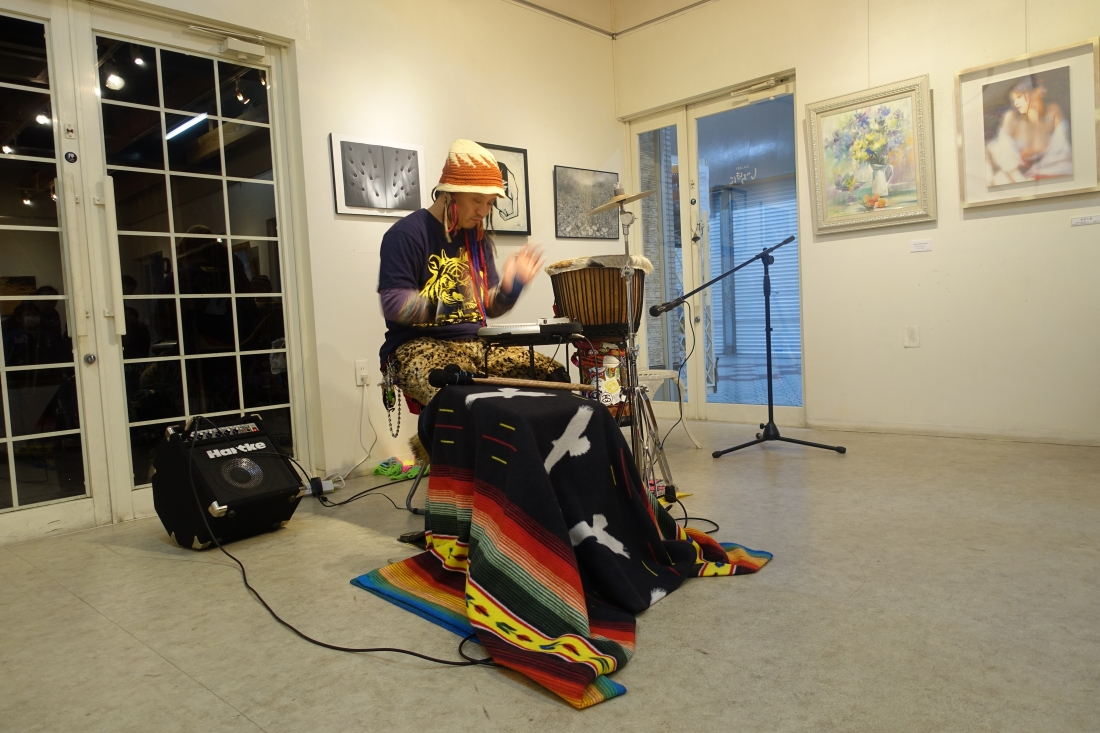 坂本剛士さんのジャンベ演奏