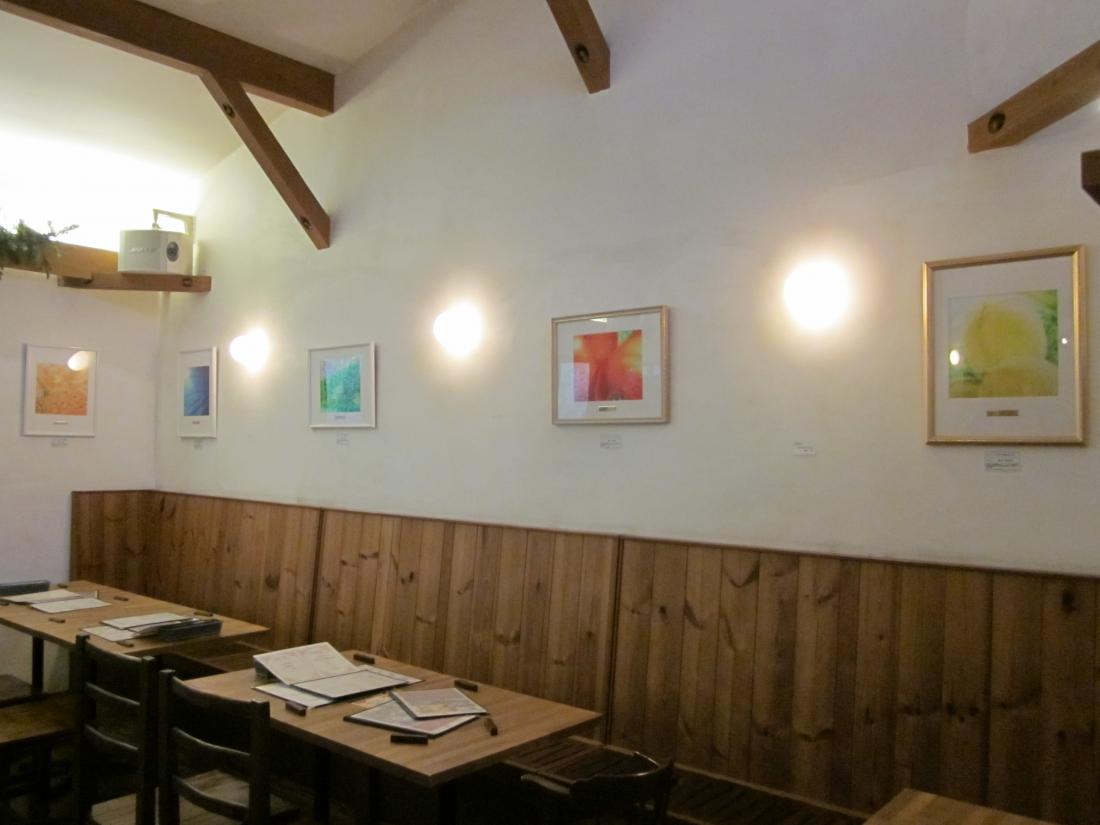 空間演出アーティスト:奥津香里命さん作品展示 奈良県生駒市イタリアンにて