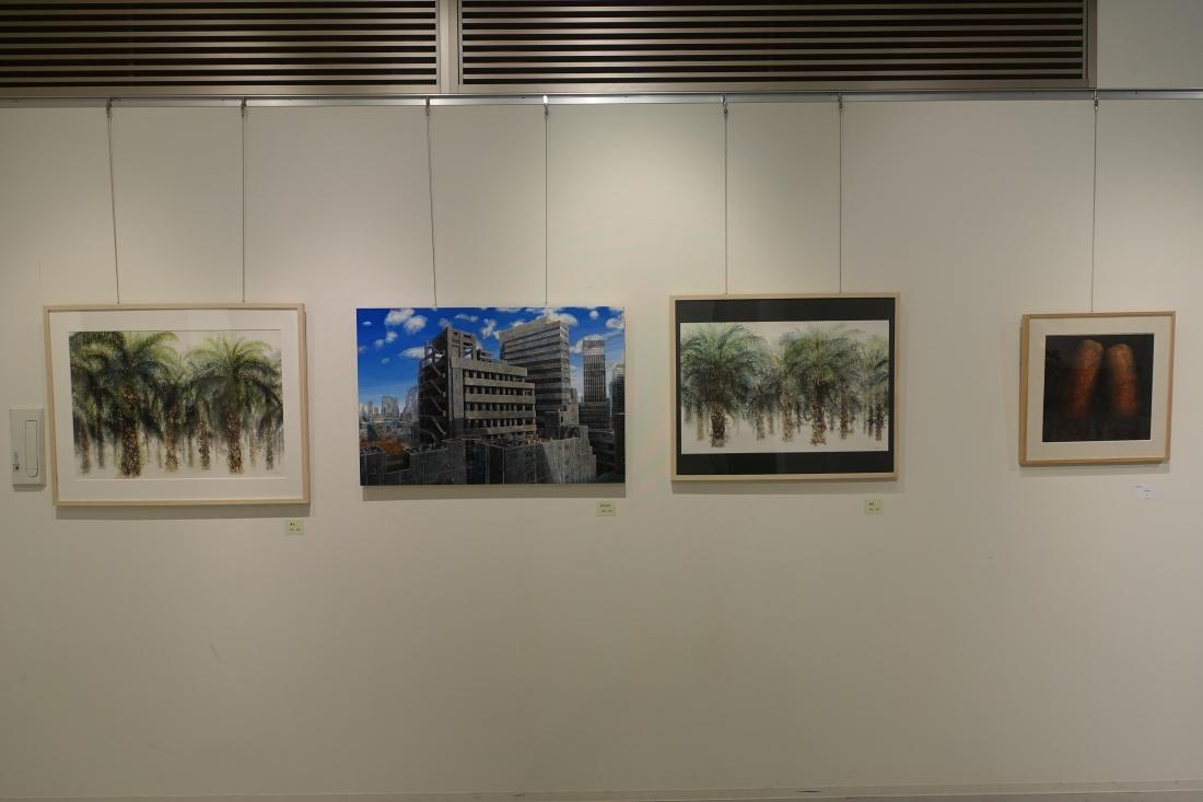 荒西伸吾さんの作品。右端が2010アートムーブコンクール大賞受賞作品