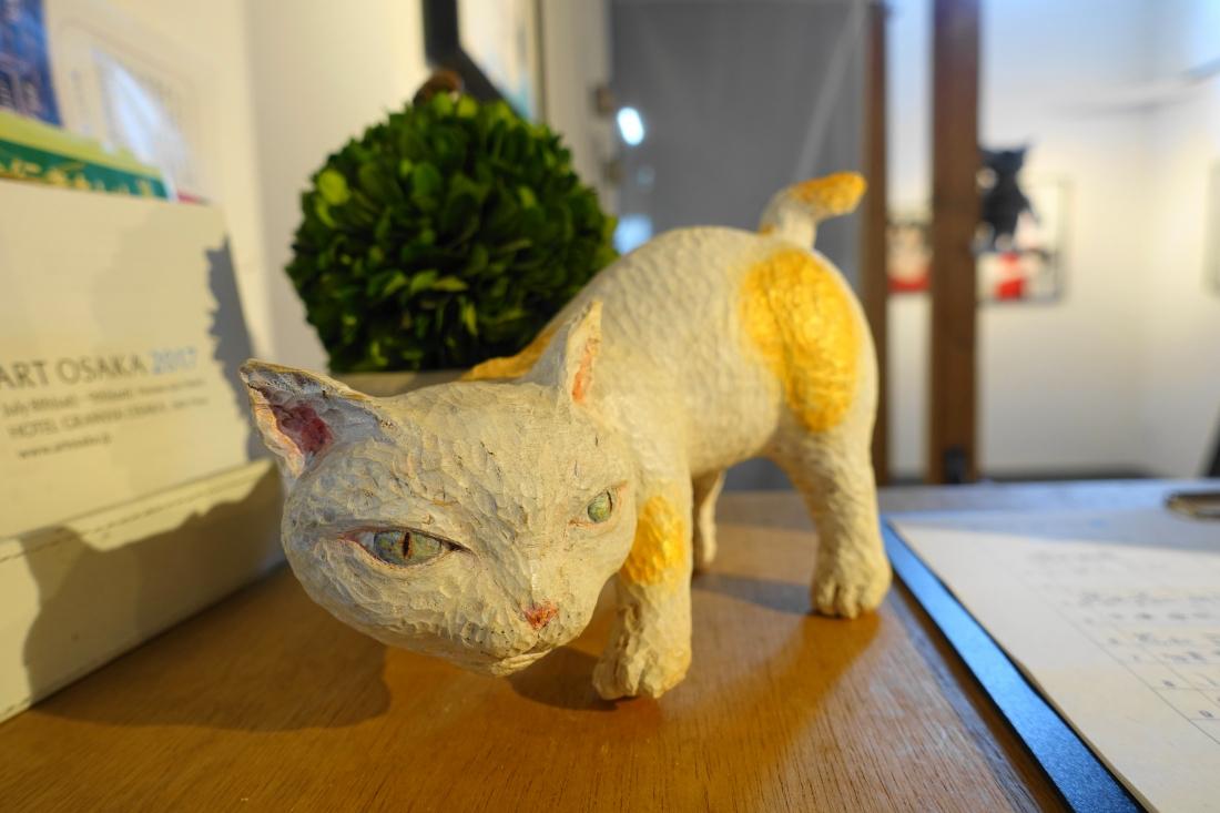 木彫りのネコ