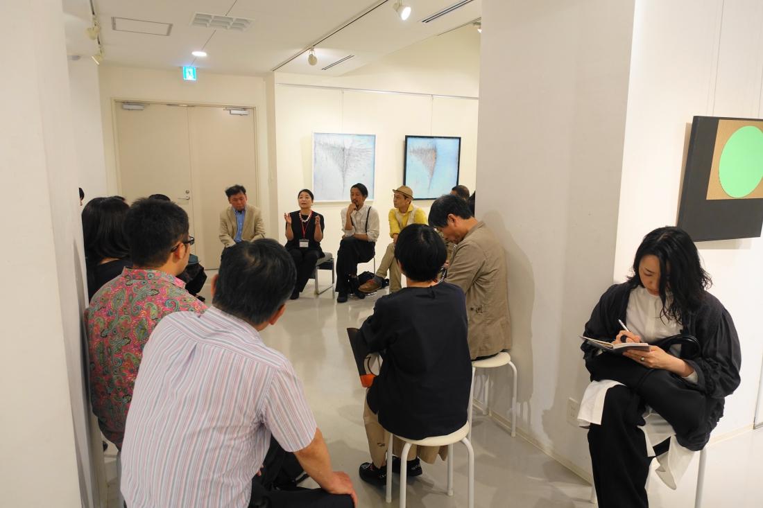 正面:発言中の北野庸子さん、その左が松原隆志さん、右が山田裕吉さん、さらに高橋 誠さんです。